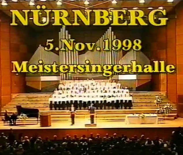 http://www.manfred-gebhard.de/NuernbergMeistersingerhalle.jpg