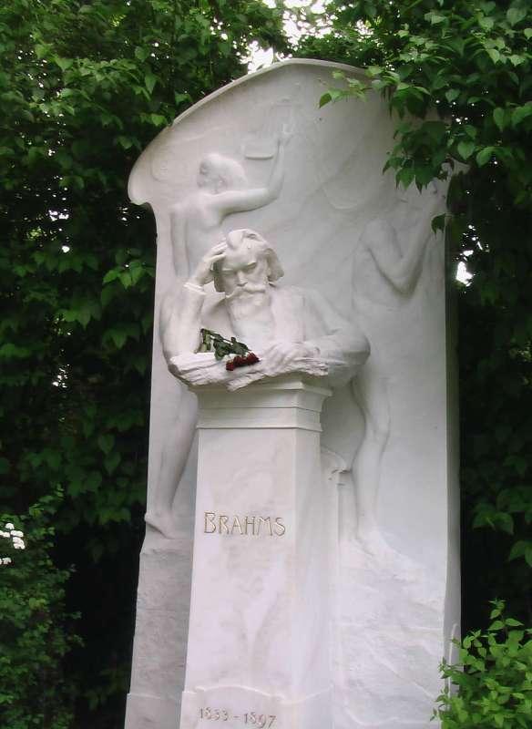 picture: http://www.manfred-gebhard.de/zentralfriedhof5.jpg
